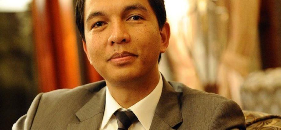 Andry Rajoelina è stato eletto Presidente della Repubblica del Madagascar.